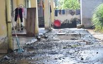 Giáo viên khốn khổ vì nhà lưu trú ngập nước