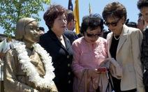 """Nhật triệu hồi đại sứ ở Hàn Quốc phản đối tượng """"phụ nữ mua vui"""""""