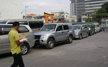 Dân sắm ôtô ăn tết, nhiều trạm đăng kiểm quá tải