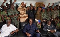 Binh sĩ Bờ Biển Ngà bắt giữ Bộ trưởng quốc phòng