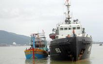 Cứu tàu cá cùng 10 ngư dân bị nạn ở Hoàng Sa