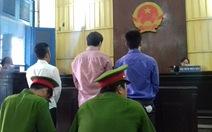 2 người Hàn Quốc 'xách tay' 96 điện thoại về Việt Nam lãnh án