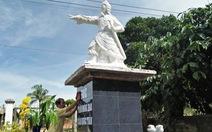 Gia đình dựng tượng Trần Hưng Đạo, chính quyền xã làm khó