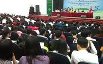 Học sinh các tỉnh 'đổ bộ' về ngày hội tư vấn tuyển sinh TP.HCM 2017
