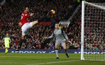 Chiều cao của Ibra cứu Manchester United