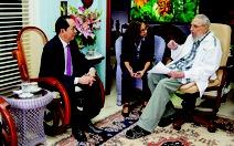 Chuyến thăm đầu tiên,cuộc gặp cuối cùng với lãnh tụFidel Castro