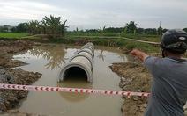 Hai bé 8 tuổi chết đuối dưới hố nước công trình