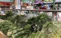 Mùng 3 tết, rau ê hề siêu thị, giá rau xanh ở chợ cao