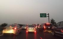 Hàng chục ngàn xe ùn tắc trên cao tốc cầu Giẽ - Ninh Bình