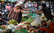 Thực phẩm dồi dào, giá tăng nhẹ