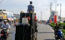Karaoke tra tấn láng giềng, chính quyền than 'rất khó'...