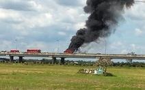 Xe khách cháy rụi trên cao tốc TP.HCM - Trung Lương
