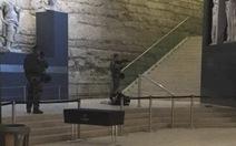 Kẻ tấn công bảo tàng Pháp là công dân Ai Cập