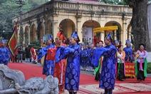 Chủ tịch nước dâng hương tại Hoàng thành Thăng Long
