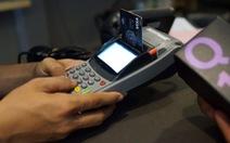 Chuốc phiền vì vô tư làm thẻ ngân hàng