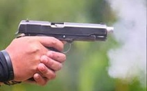 Bắt chủ quán nhậu rút súng bắn chết người