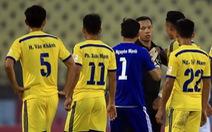 Điểm tin tối 13-2: Tạm đình chỉ trọng tài Nguyễn Trung Kiên B ở vòng 6
