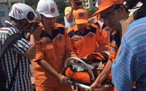 Cứu ngư dân bị đau bụng trên tàu cá hỏng máy