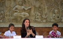 Angelina Joliera mắt phim về nỗi kinh hoàng Khmer Đỏ ở Campuchia