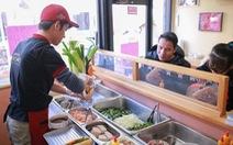 8x Việt mở tiệm bánh mì Xin Chào ở Nhật