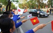 Dân Huế nồng nhiệt chào đón Nhật hoàng