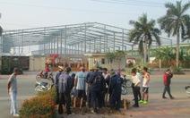 Khu công nghiệp dựng rào chắn, cắt nguồn nước để thu phí
