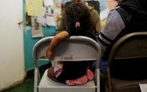 Mỹ ngăn cản các bà mẹ đưa con cái vượt biên trái phép