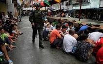 Cảnh sát Philippines hứa chống ma túy 'ít máu me hơn'