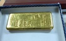 Một doanh nghiệp bị tịch thu thỏi vàng 1kg nhập lậu