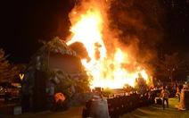 Cháy mô hình King Kong tại lễ ra mắt phim Kong