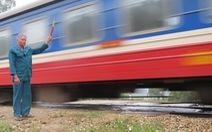 Chuyện ông già ngồi canh tàu lửa