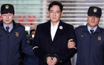 Bị giam giữ, lãnh đạo Samsung vẫn nắm chuyện kinh doanh