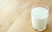 Uống sữa, 50 học sinh nhập viện nghi ngộ độc thực phẩm