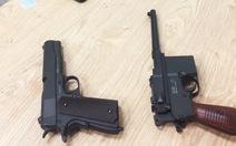 Phát hiện 2 khẩu súng mang về Việt Nam bằng đường hàng không