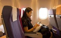 Đi máy bay nào lướt wifi sướng cả tay?