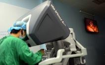 Xem hình ảnh robot phẫu thuật trong điều trị ung thư dạ dày