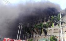 Cháy lớn công ty may trong khu công nghiệp Trà Nóc