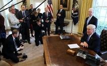 """Dự luật chăm sóc sức khỏe """"Trumpcare"""" thất bại"""