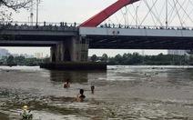Bé trai bị nước cuốn mất tích trên sông Sài Gòn