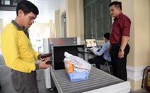 Bắt đầu kiểm soát an ninh đối với khách đến UBND TP.HCM