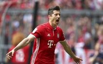 Lewandowski lập hat-trick, B.M thẳng tiến đến ngôi vô địch