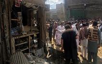 Pakistan: Taliban đánh bom xe, 22 người chết