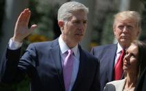 Thẩm phán Tòa án Tối cao Mỹ phải tuyên thệ hai lần