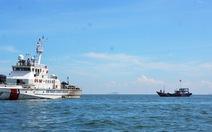 Ca nô, tàu cá tìm ngư dân mất tích trên biển Cửa Đại