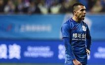 CĐV Trung Quốc giận dữ vì Tevez đi chơi khi đội nhà thi đấu