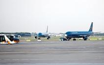 Khen tổ bay bắt hành khách Trung Quốc trộm 400 triệu trên máy bay