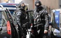 Pháp phá được âm mưu khủng bố của hai phần tử IS