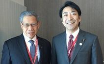Thứ trưởng Nhật thú nhận ngoại tình rồi từ chức