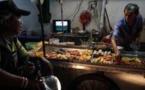 Bangkok cấm thức ăn đường phố