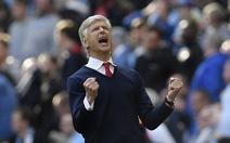 """HLV Wenger: """"Arsenal đã đáp trả mạnh mẽ những chỉ trích"""""""